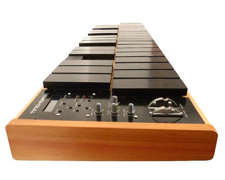 TINCHOFÓN CMP 32 (2 ½ octavas + 1 nota) - Xilófono Electrónico - Controlador MIDI de percusión + módulo de sonidos