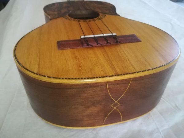 Cuatro Venezolano de Luthier Modelo tradicional 02