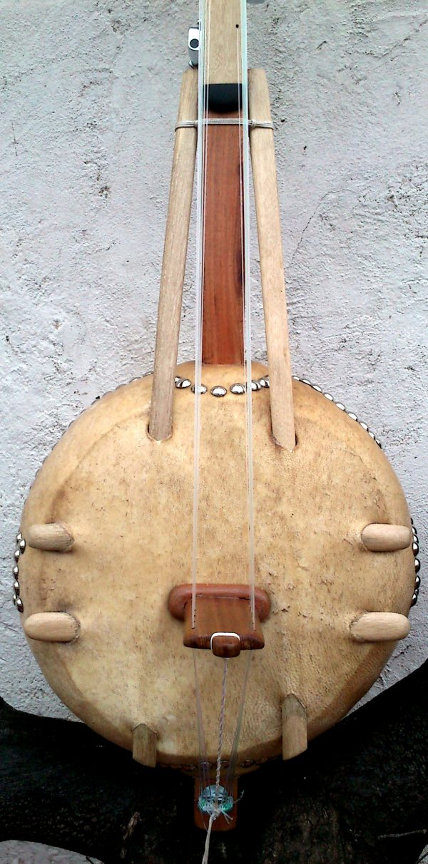 Ngoni o Kamele`Ngoni mediano profesional de diez cuerdas de Luthier