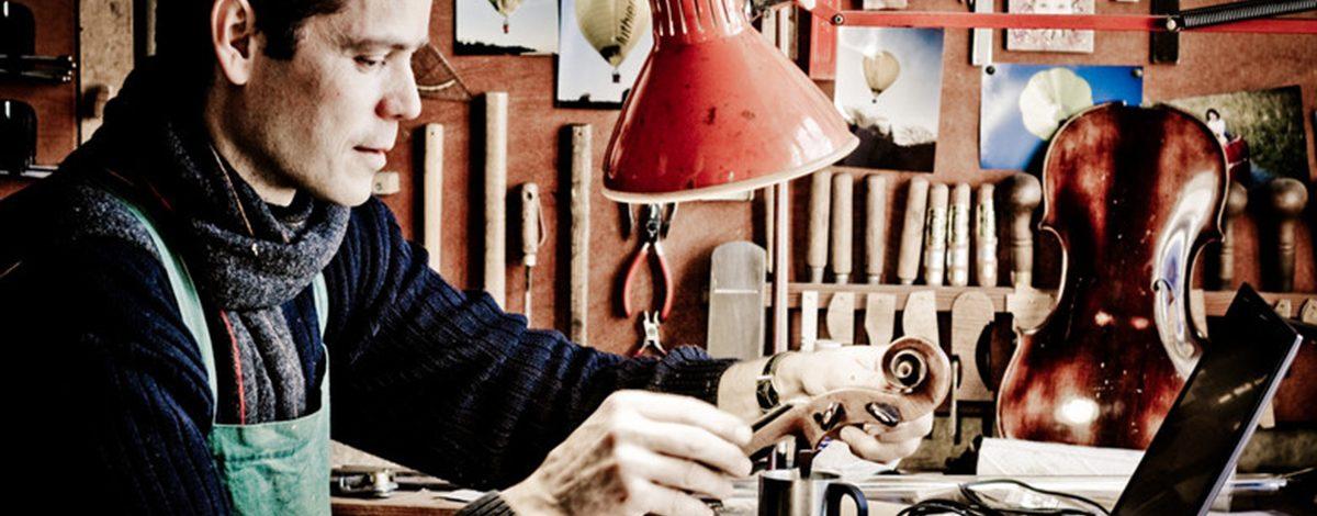 Soliitud de presupuesto luthier trabajando
