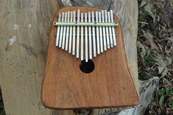 Kalimba Delux electroacústica de 17 notas