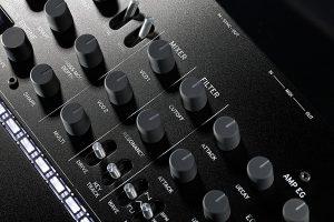 Circuito de sintetizador analógico que rompe las expectativas de su clase