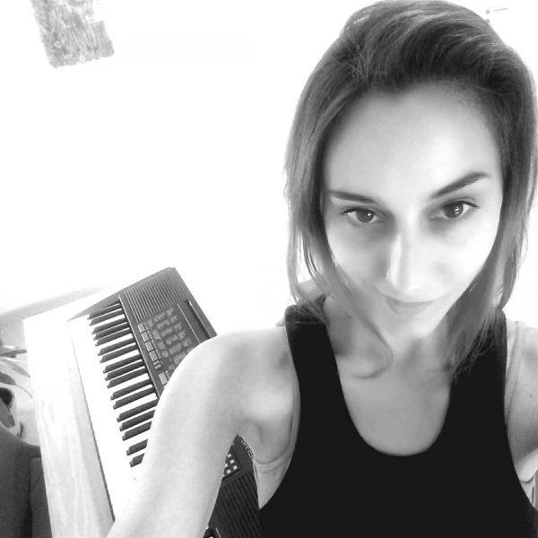 Luciana Patiño Profesora de canto en Beautifulinstrument.com
